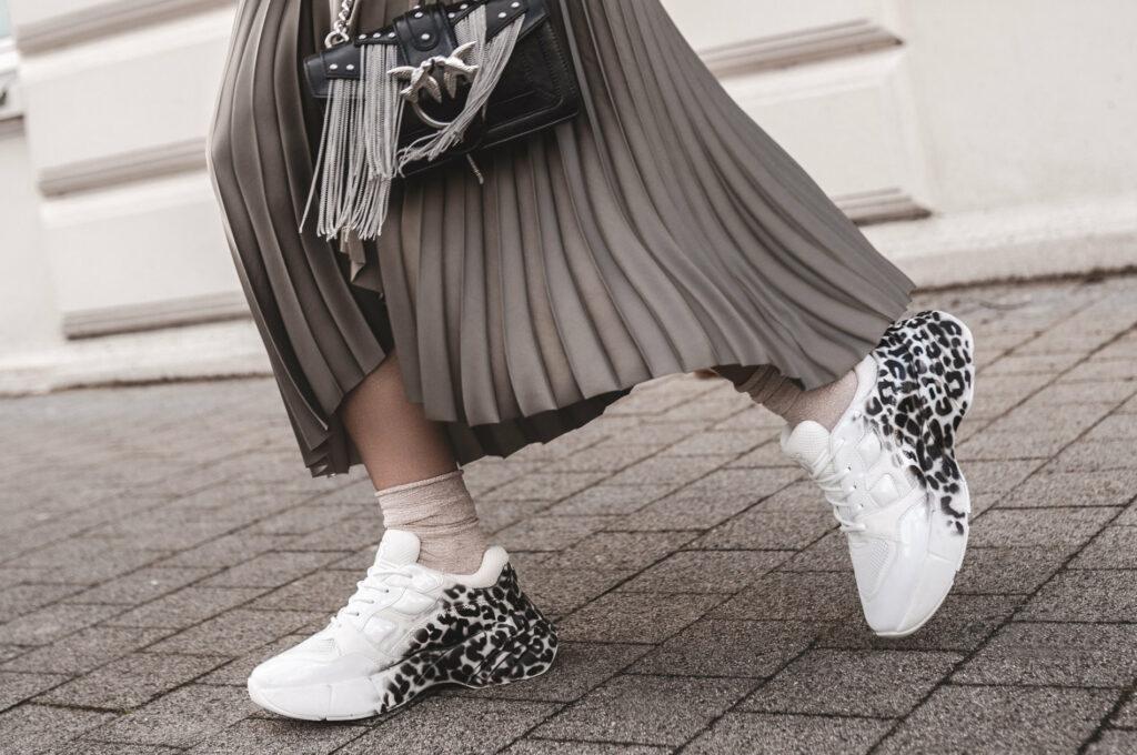 jakie buty do spódnicy?