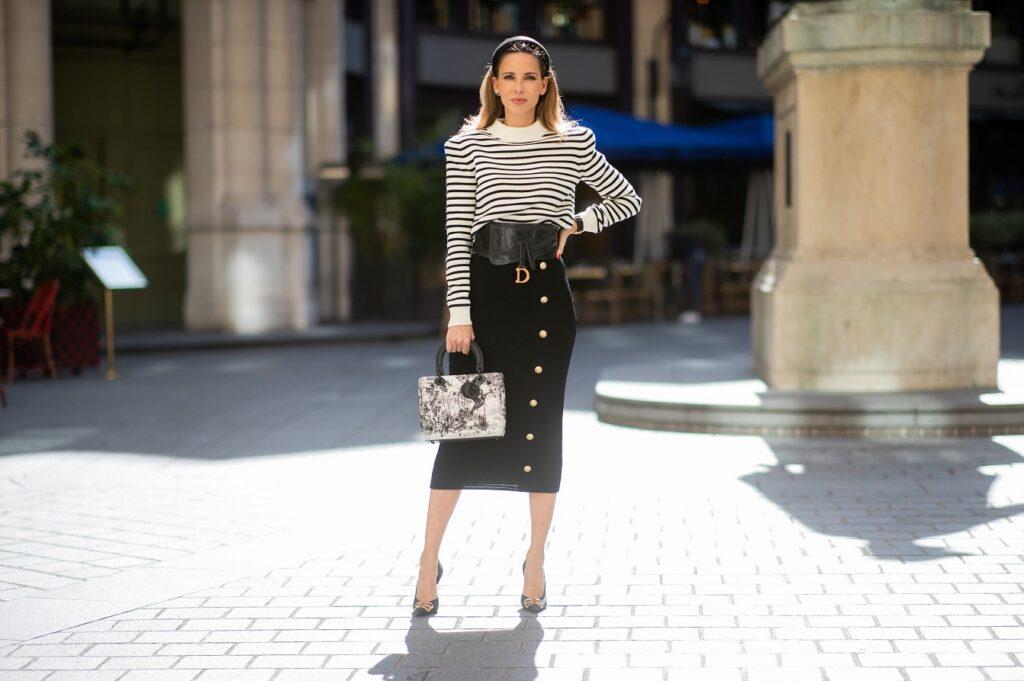 Jak nosić ołówkową spódnicę nie tylko w eleganckich stylizacjach?