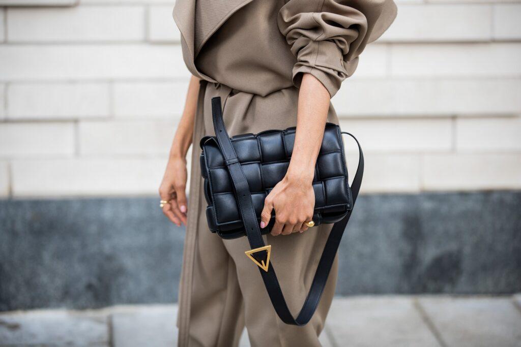 Modne torebki w stylu Bottega Veneta